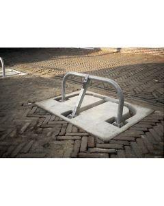 Parkeerbeugel met prefab betonplaat